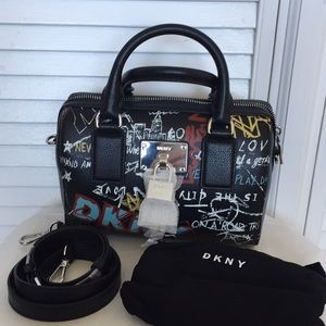 DKNY Elissa Small Speedy Satchel Black/graffiti